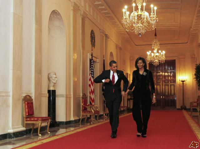 barack-obama-michelle-obama-2009-3-4-20-33-36.jpg?w=655