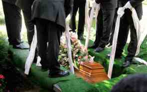 funeral_2742554b
