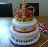 jubilee-crown-guards-cake