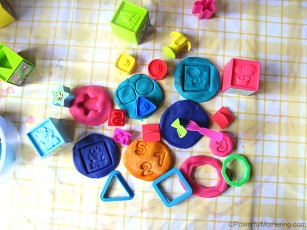 Expand-Playdough-play-with-other-Toys-shapes
