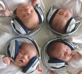 baby-koptelefoon-bij-piekervrij