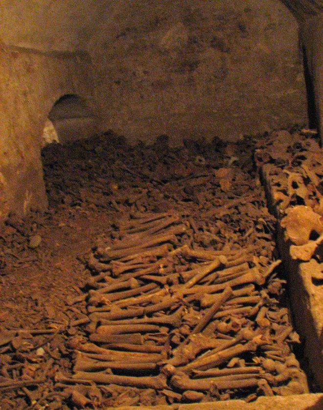 bones-in-catacombs-sanfranciscodeasis-lima