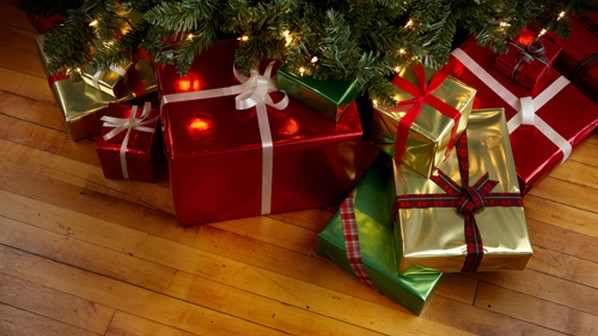 gifts-under-a-tree-598x336