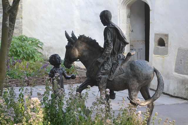 statue-of-donkey