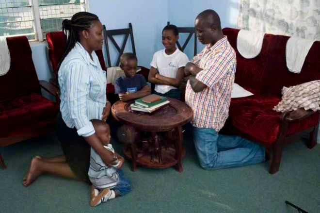 Ghana-family-praying.jpg
