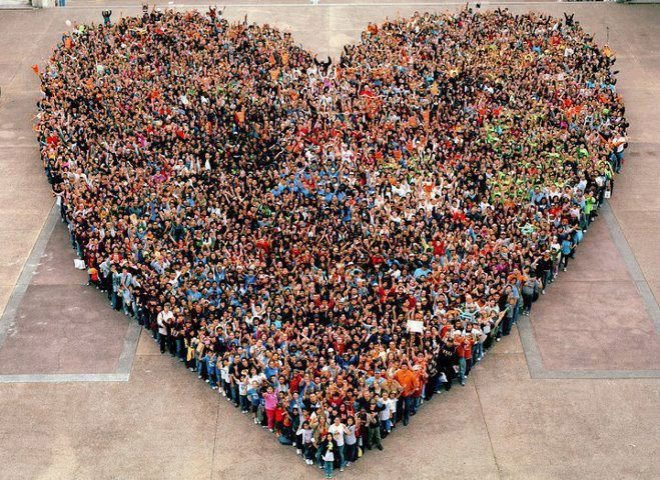 people-come-together-make-giant-heart.jpg