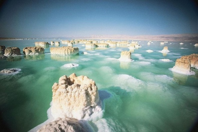 dead-sea-salt-crystals-1[2].jpg