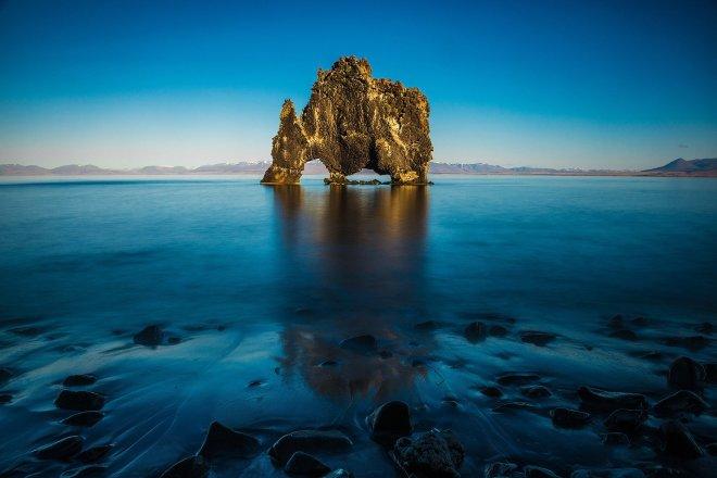 iceland-rock-basalt-rhinoceros-hvittserkur.jpg