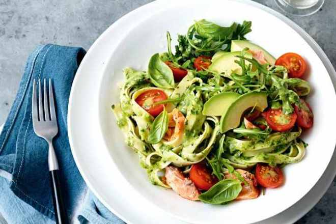 avocado-pesto-pasta-with-hot-smoked-salmon-105302-1