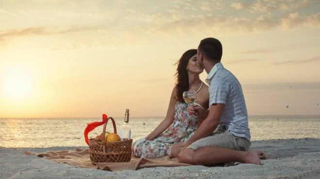 Honeymoon-couple-romance-and-love-at-beach-1024x576