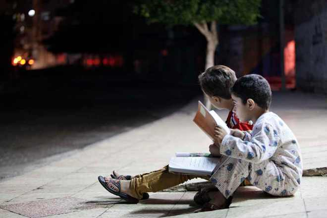 4-PowerCuts-Dont-Stop-Homework-In-Gaza-Palestine
